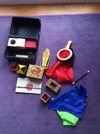 Childrens wooden magic set deluxe-excellent condition.make (Melissa & Doug)