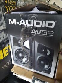 M-audio av32 mutlimedia moniterring speakers