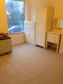room to rent in houseshare, good size, great location.