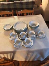 30 Piece Vintage Dinner Set Johnson Bro's Eternal Belle, LIKE NEW