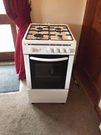 BUSH 50CM GAS COOKER, 18 MONTHS OLD , IMMACULATE CONDITION, DELIVERY AVAILABLE