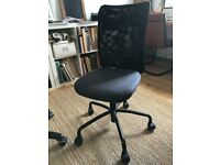 Light weight office chair