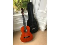 ASHTON 3/4 SIZE CLASSICAL GUITAR CG34AM WITH BLACK PROTECTIVE CASE & GUITAR STRAP