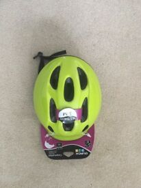 Green Kids Helmet **NEW**