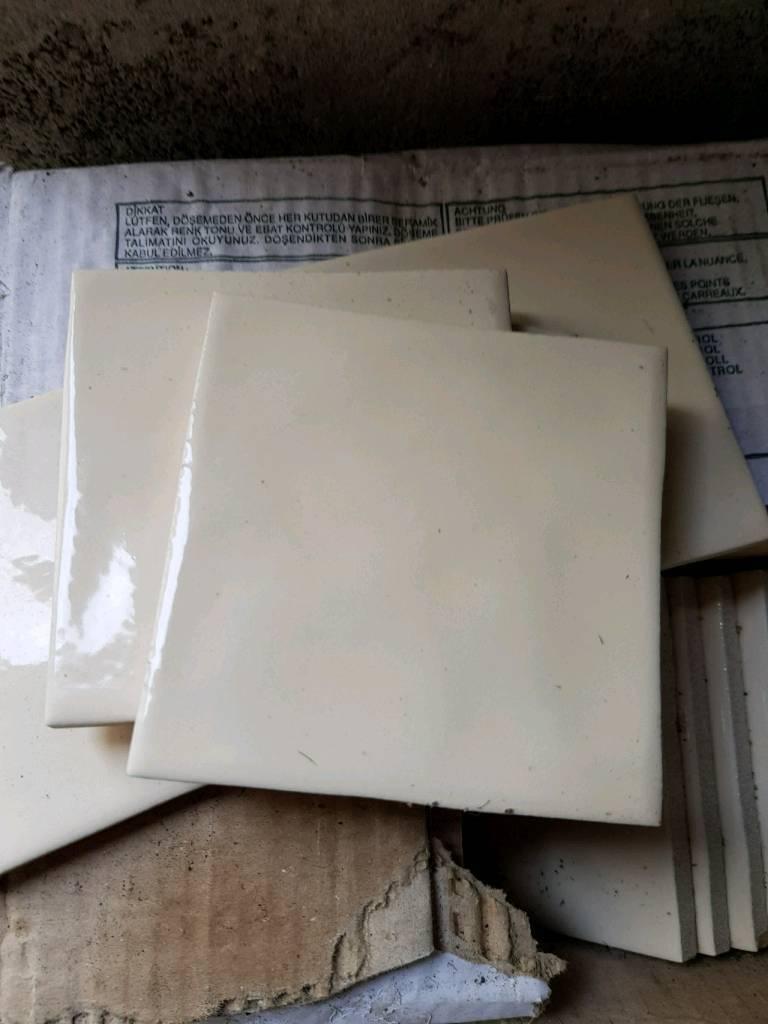2x boxes of cream 4x4 inch tiles