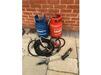 Gas cylinders with roof torch
