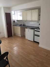 1 BEDROOM FLAT IN MORRISTON, SWANSEA QUIET SPACIOUS INCLUDES GAS AND WATER, ELECTRIC ON A KEY METER