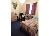 Minny Street, Cathay`s. 4 bedroom Student house.**No Agency Fee** Half Rent July/August. £315 pppm