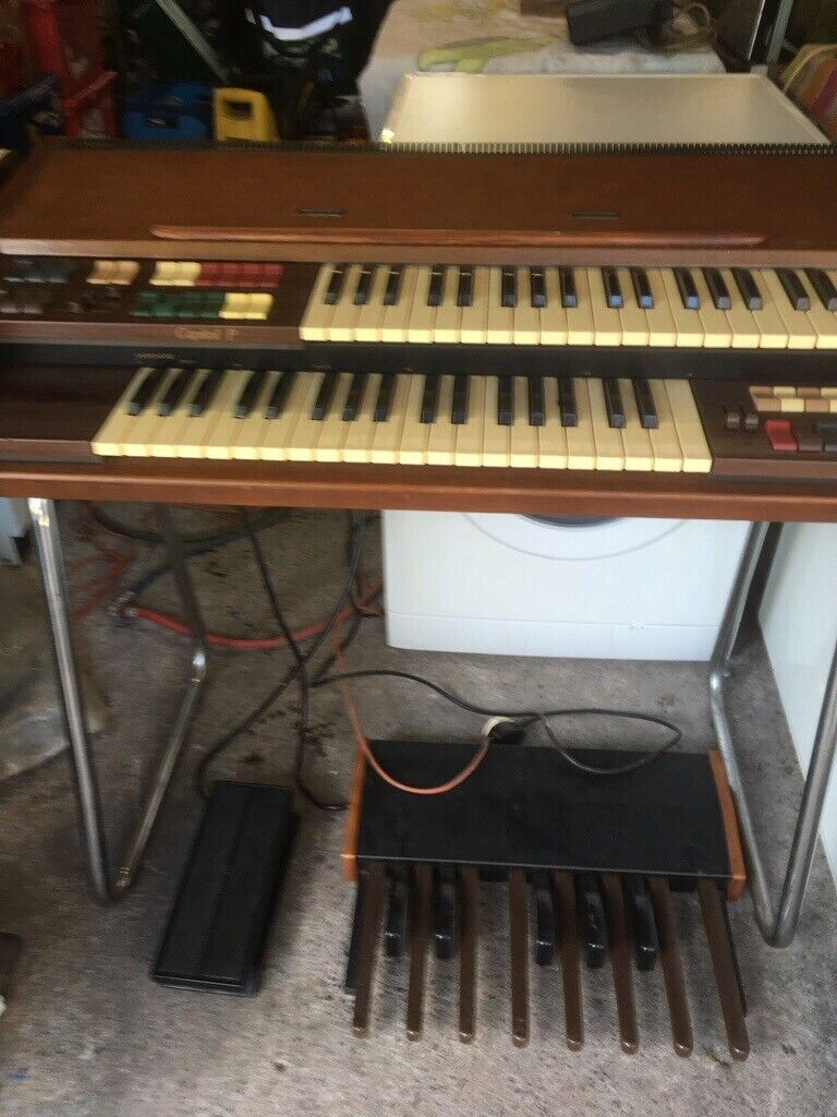 Farfisa keyboard model 111601E,in working order  Free for collection