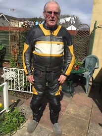 Triumph 2 piece leathers