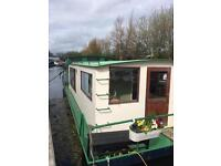 West London: 1 bedroom flat houseboat