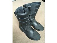 Ladies Motorcycle boots - Diadora, leather. Waterproof.Excellent condition. Size Eu 40 (UK 5.5 ish.)