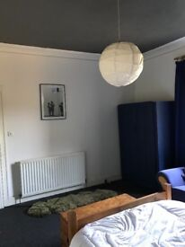 Double room to rent in large house