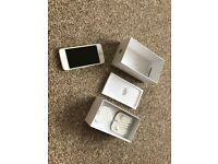Unlocked Iphone 5 16GB silver used but in a good condition