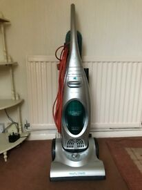 UPRIGHT VACUUM CLEANER - MORPHY RICHARDS