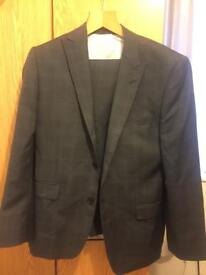 Men's medium French connection suit