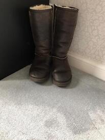 Genuine ladies Brown ugg boots size 6