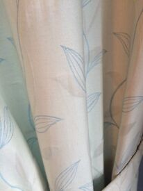 Curtains - Cream with a pale blue pattern