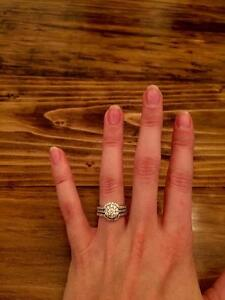 Engagement ring and wedding bands set