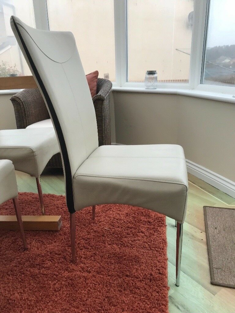 4 cream Dining room chairs