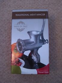 Italian meat mincer from Robert Dyas