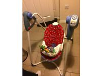 GRACO SWING ----NICE AND CLEAN , IN PERFECT WORKING ORDER £20