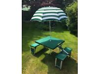 Folding picnic table with 4 seats and sun umbrella