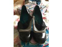 Irregular choice black flick flack size 41