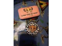 Disney lion king manicure set & mirror