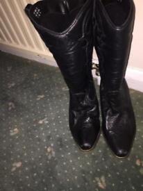 Soft leather cowboy boots size 7