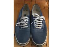 Men's vans shoes/trainers