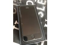 iPhone 5 unlocked comes with box, charger and headphone