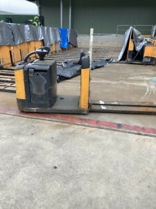 Crown GPC2000 Gpc2000 Pallet Truck Campbellfield Hume Area Preview