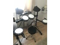 Alesis DM5 digital drum kit