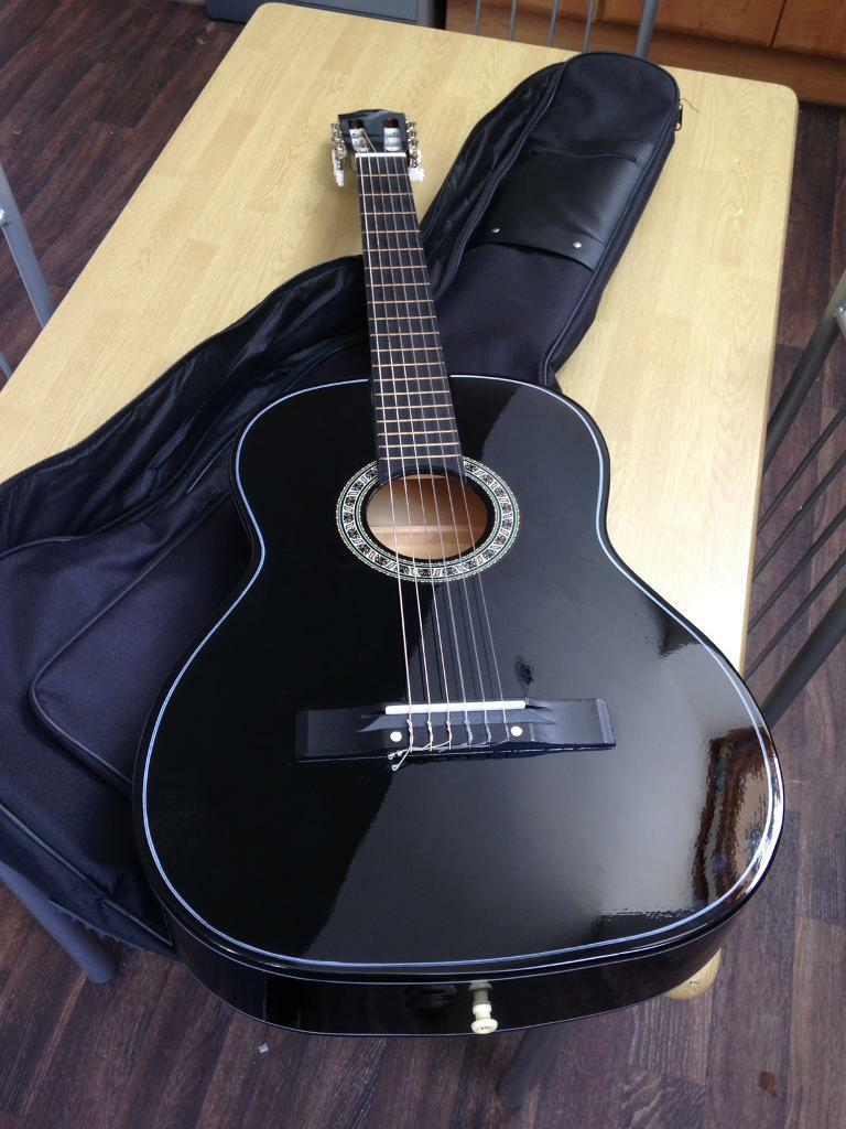 Guitar gear4 music Newin Queens Park, LondonGumtree - Guitar gear 4 music model CG 10BK in perfect conditions!Complete with bag