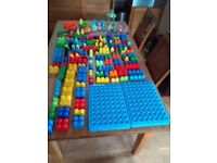 In the night garden Mega Bloks blocks. bandstand, figures, bricks, building trays