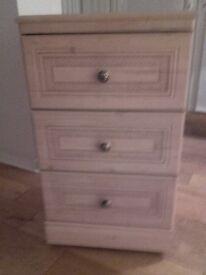 Oakwashed white 3 drawer chest