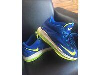 Nike lebrons Basketball Trainers size 5
