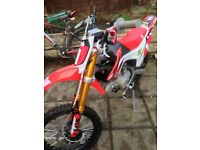 Welsh pitbike 140 cc , brand new 2016 bike excellent condition.