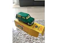 Vintage Dinky Toys 197 Green Morris Mini Traveller Spun Hubs With Box.