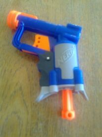 'NERF' GUN TOY - £9.50 - AS NEW WITH TARGETS ETC. - USED ONCE ONLY.