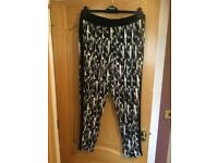 Woman's trousers size 18