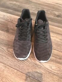 Nike trainers men's size 10
