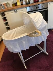 Moses basket in very good condition