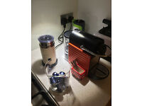 Nespresso machine + Aerochino 2 - near new/good condition