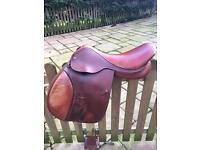 Henry Brunelle brown 17.5 saddle