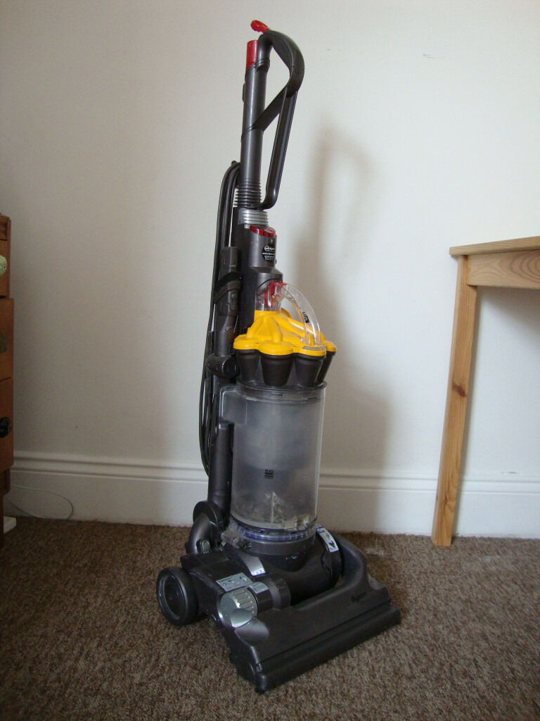 Dyson DC33 Hoover UsedRefurbished in great condition RRP300in Southville, BristolGumtree - Dyson DC33 in good working order. 3 years old refurbished few months ago in fully working order. Local pick up from BS3 (Southville) RRP £300 Any questions please feel free to ask. Thank you