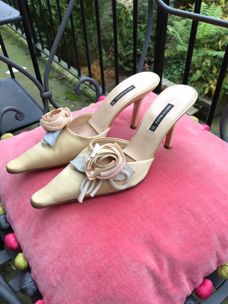 Bruno Magli embellished high heel mules size 39 💕🌹