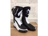 Brand New Motorcycle Boots - Forma Freccia Sport/Road Boots White/Black Size UK 12
