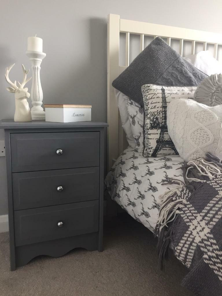 Pair of Bedside Drawers 💕 * SOLD*